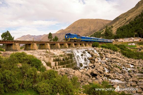 Tren Cusco Puno 2
