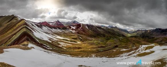 Montaña Siete Colores 4 - Peru A Travel.jpg